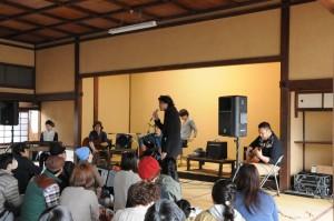 第四回スキマアワーに出演したdry river strings