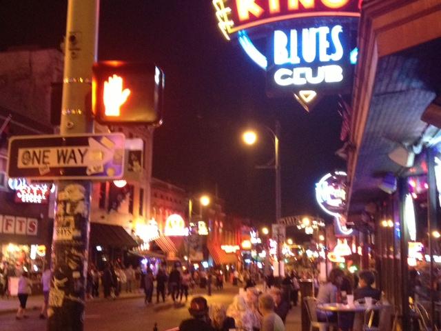 夜のB.B.KING'S BLUES CLUBとビールストリート