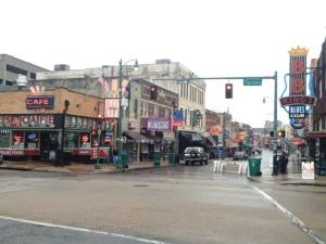 早朝のビールストリート