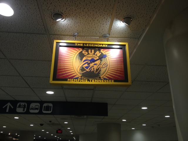 メンフィス国際空港のスタンドカフェ