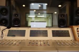 エフエム京都の番組収録スタジオ